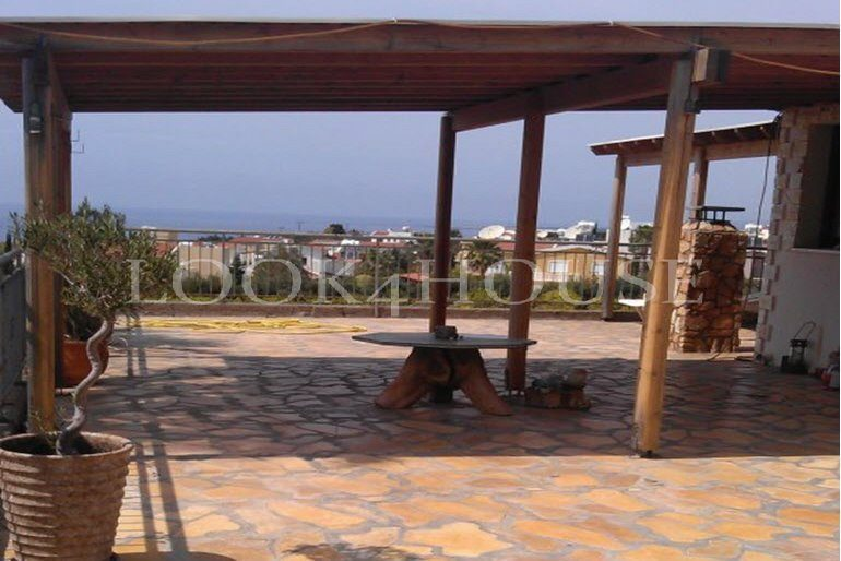 House_for_sale_in_Peyia_1