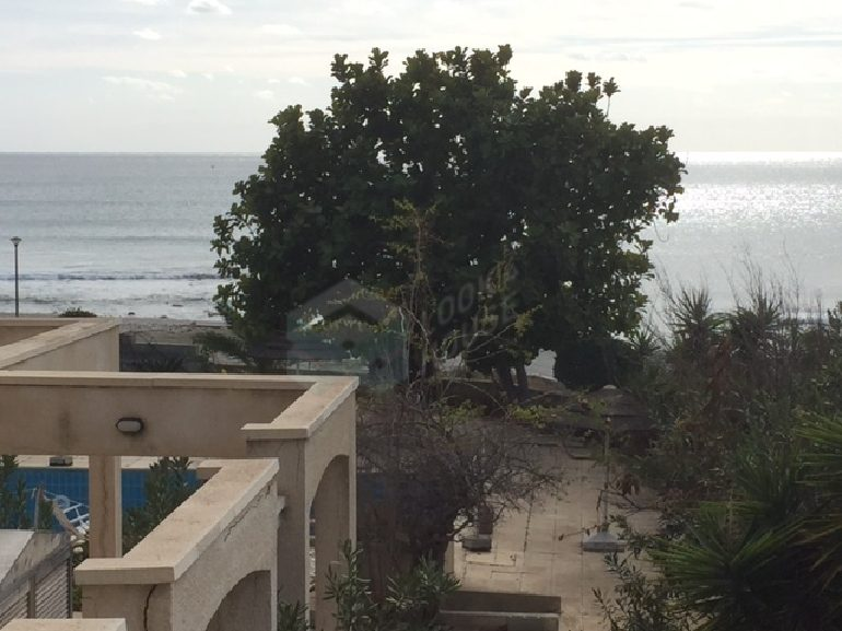 flat_for_sale_in_coral_beach_02